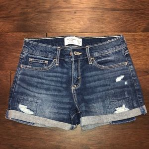 cute abercrombie shorts!
